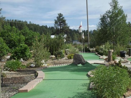 Bogey's Mini Golf