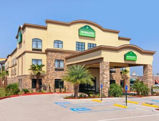Wingate by Wyndham Lake Charles Casino Area