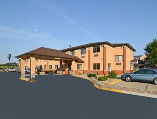 Photo of Baymont Inn & Suites Waterloo