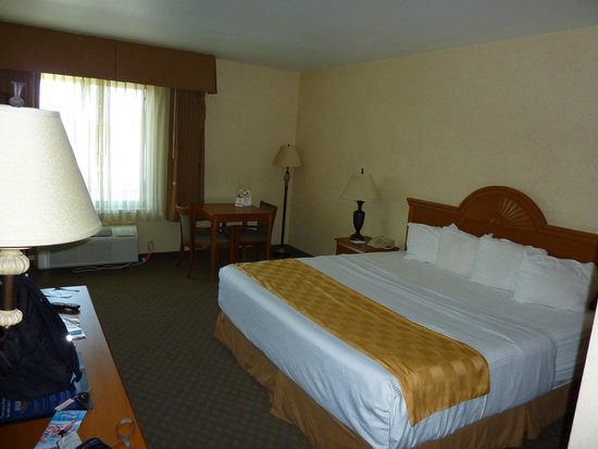 Chambre avec lit king size photo de best western of long beach long beach tripadvisor for Chambre avec lit king size