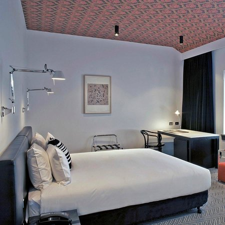 Photo of Peppers Gallery Hotel Canberra