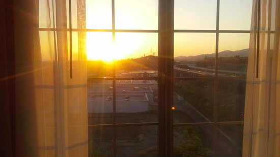 Ayres Hotel & Spa Mission Viejo: Beautiful sunset