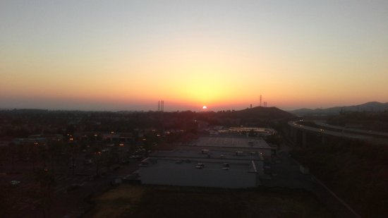 Ayres Hotel & Spa Mission Viejo: Beautiful sunset 3