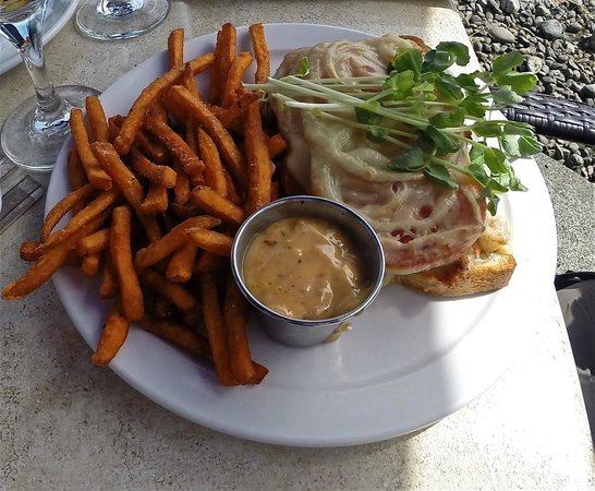 Seafood Melt - Picture of Salmon Point Restaurant, Campbell River ...