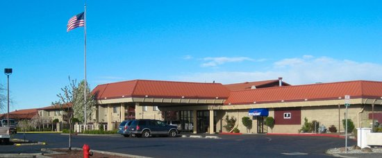 ‪BEST WESTERN PLUS Lake Front Hotel‬