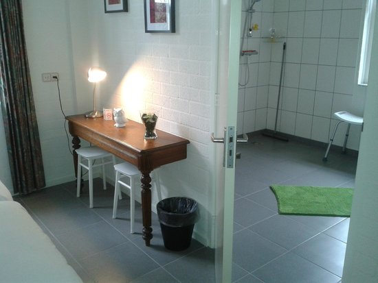 Toilet douche kamer een picture of bed breakfast het loo bergeyk tripadvisor - Bed kamer ...
