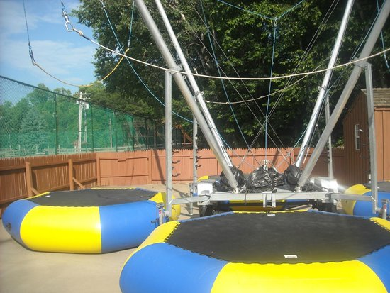 Highland, NY: Bungee Trampolines