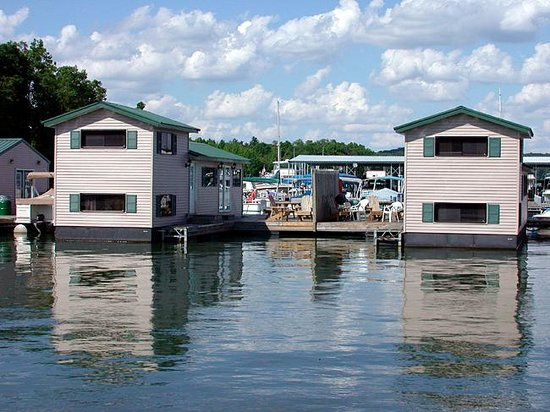 Lake Murray Floating Cabins Reviews >> We also rent Floating Cabins - Picture of Patoka Lake ...