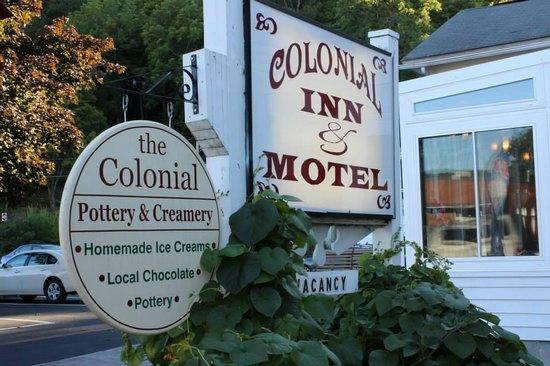 ‪Colonial Inn & Motel‬