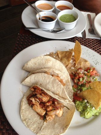 Playa Fiesta BeachClub & Hotel: Fish Tacos!!!