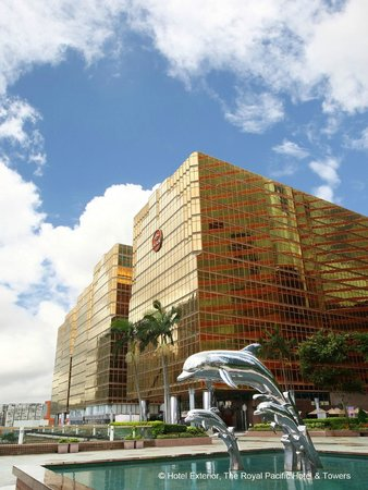 The Royal Pacific & Towers Hotel