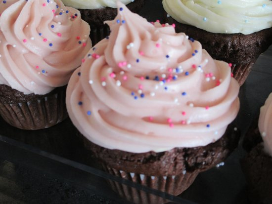 Cameron's Coffee & Chocolates: Cupcake flavors vary on any given day
