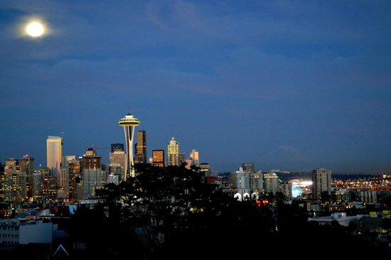 Night View Was Gorgeous Picture Of Kerry Park Seattle