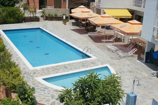 Antonis G Hotel & Apartments