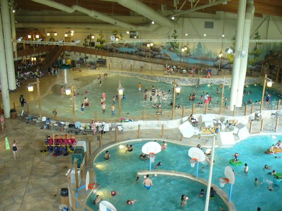 Great wolf lodge wave pool with salt water plus another pool fresh