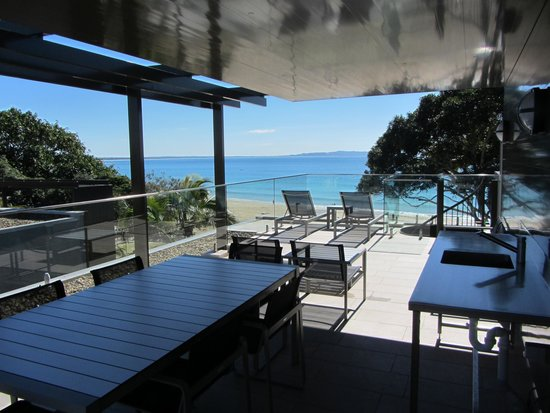 Seahaven Noosa: Top floor beach view