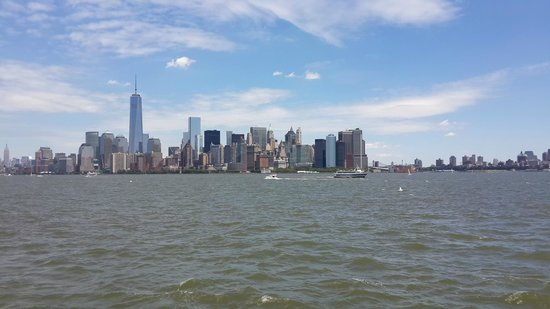 Manhattan Island Cruise From Liberty Island Cruise