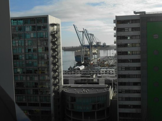 Waldorf Celestion Apartment Hotel: view from upper street front apartment