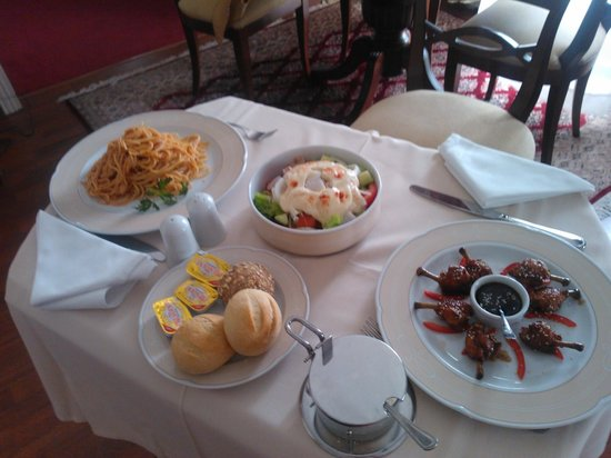 Mediterranean Palace Hotel: A tasty lunch