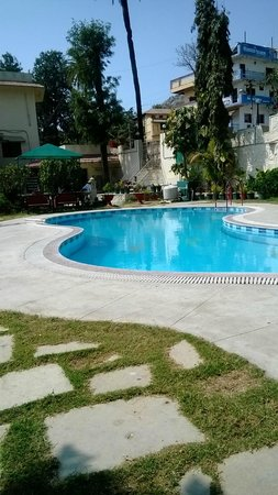 Swiming Pool Picture Of Hotel Savera Palace Mount Abu Tripadvisor