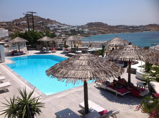 Apollonia Hotel & Resort: View of pool from restaurant