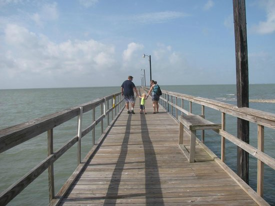 Fishing pier picture of goose island state park for Rockport texas fishing report