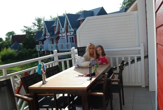 Village belle dune notre terrasse plein sud picture of for Appart hotel fort mahon
