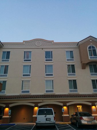 Courtyard Kansas City At Briarcliff Mo Hotel Reviews