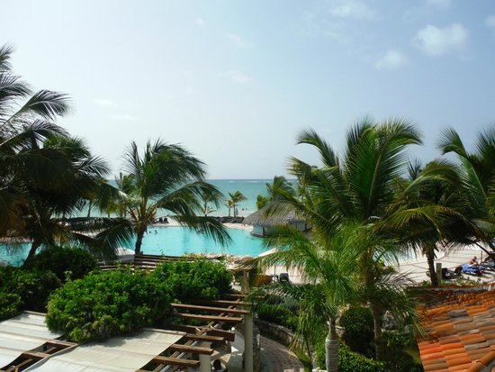 Sanctuary Cap Cana: view of pool and beach area