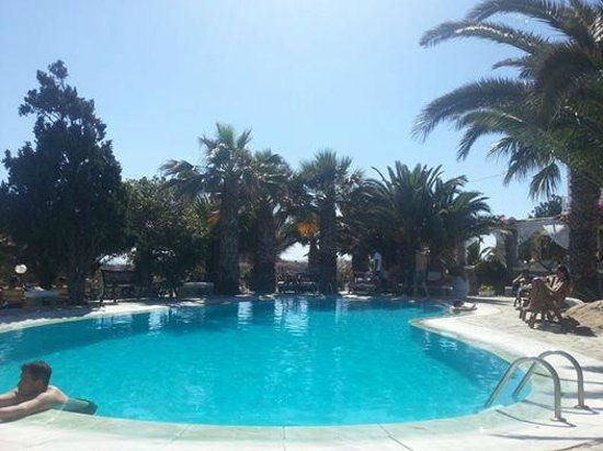 Zephyros Hotel: pool side