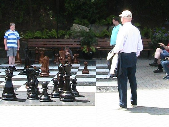 retailing and giant chess board Discover santana row chess plaza in san jose, california: a giant chess set, minus the psychedelic drug trip on the checkered turf located along santana row – san jose's best knockoff of the champs-élysées – this curiosity is a more emotionally fulfilling diversion than the shopping complex's retail offerings.