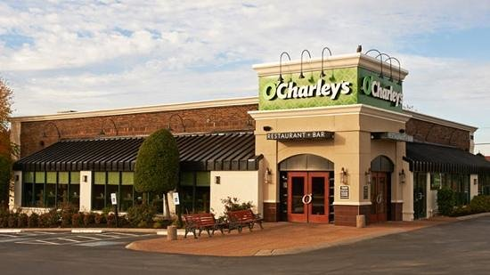 Convenient to i 65 for Dining near brentwood tn
