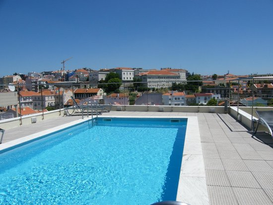 Swimming pool on the top of the hotel picture of nh - Hotels in lisbon portugal with swimming pool ...