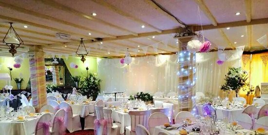 Ferryside, UK: Wedding reception for 88 guests.  11 x 8 tables.