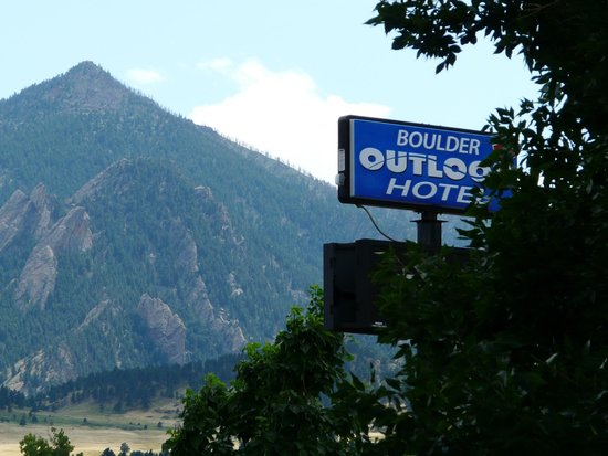 Photo of Boulder Outlook Hotel & Suites