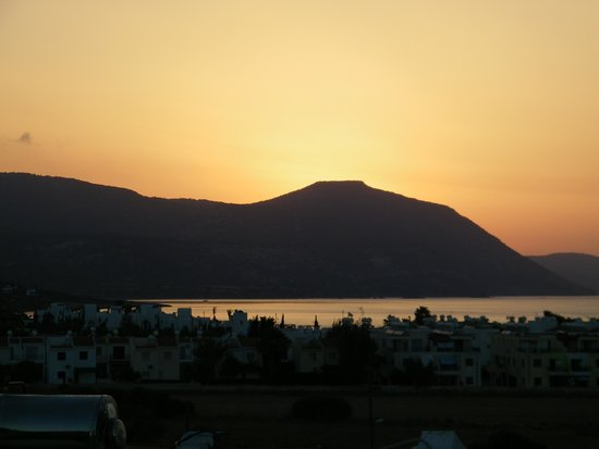 Zening Resorts: sunset from our room