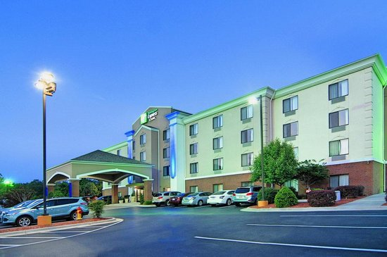 Holiday Inn Express And Suites Roanoke Rapids SE