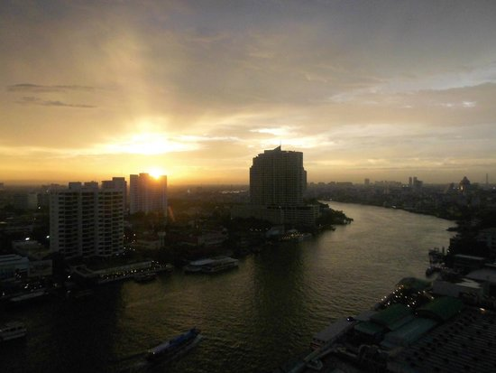 Royal Orchid Sheraton Hotel & Towers: Blick aus dem Zimmer