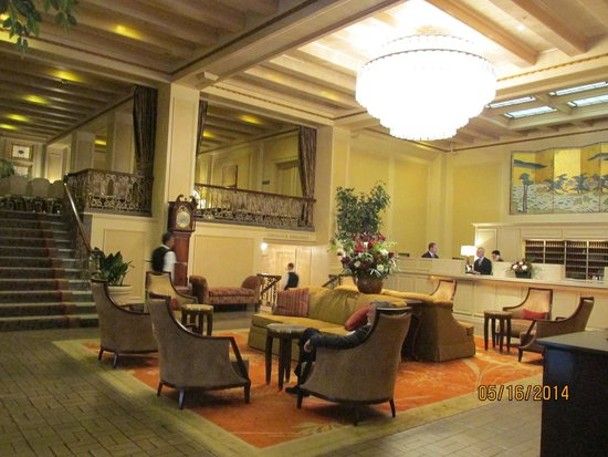 hotel lobby check in picture of mayflower park seattle. Black Bedroom Furniture Sets. Home Design Ideas