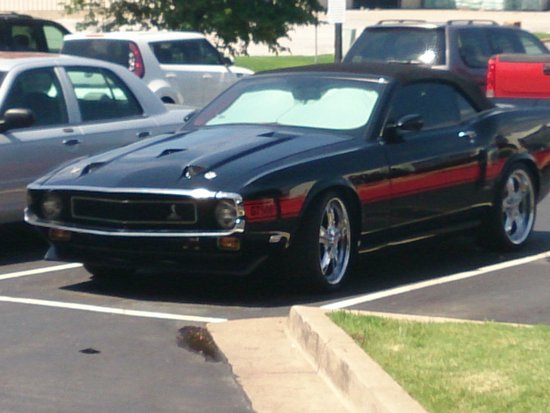 Candlewood Suites - Tulsa: '72 GT500. Shelby Mustang