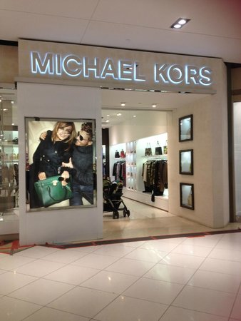 Browse all Michael Kors locations in Canada to find a store near you. Shop for jet set luxury: designer handbags, watches, shoes, men's and women's ready-to-wear & more.