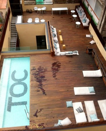 Aussicht zimmer poolbereich picture of toc hostel barcelona barcelona tripadvisor - Toc toc barcelona ...