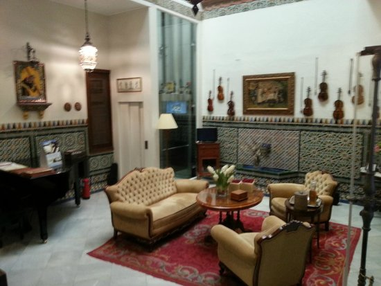 Hotel Amadeus: Common area