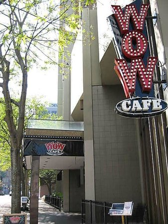 WOW Cafe - American Grill & Wingery