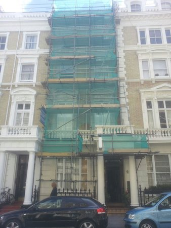 Notting Hill Gate Hotel: Not so attractive.