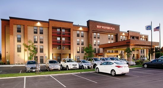 Courtyard By Marriott Fresno Airport