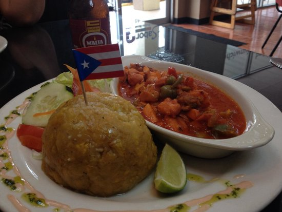 Mofongo con pulpo en salsa criolla picture of sabor for Authentic puerto rican cuisine