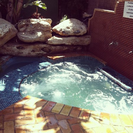 Jacuzzi picture of hotel apartamentos mexico vera vera for Appart hotel jacuzzi