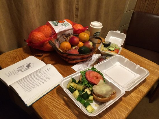 The Gateway Restaurant and Lodge: Take out Alaskan salmon burger with salad and zucchini!
