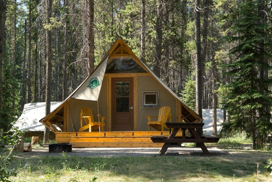 Two jack lake picture of two jack lakeside camgpround for Banff national park cabin rentals